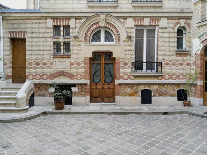 Cour de l immeuble 151 rue de grenelle 2