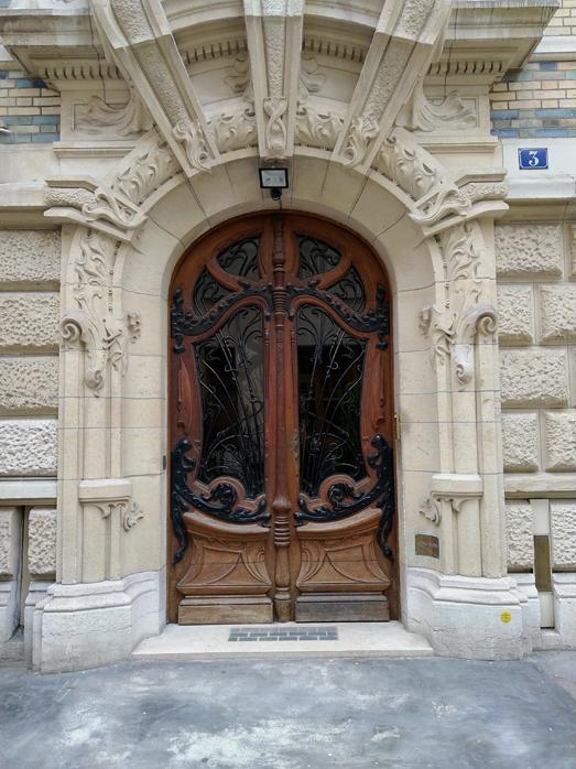 Porte d entree de l immeuble art nouveau 1 square rapp